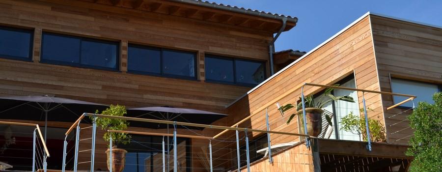 Axebois constructeur de maisons ossature bois dans l for Constructeur de maison en bois dans le 34