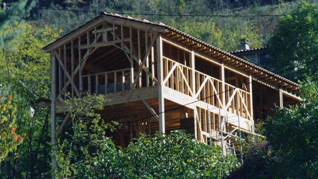 maison en bois montpellier simple en bois d une maison u montpellier lie with maison en bois. Black Bedroom Furniture Sets. Home Design Ideas